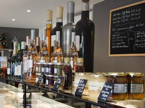 Produits en vente vin, confiture...